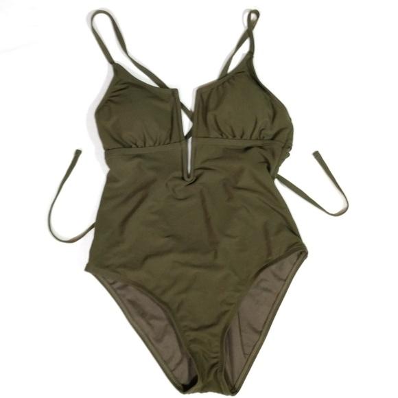 Shade & Shore Other - NWOT Shade & Shore Medium Plunge Swim Suit